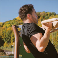 Vidéo d'exercices Out & Fit Gym – Pull-Up Bar